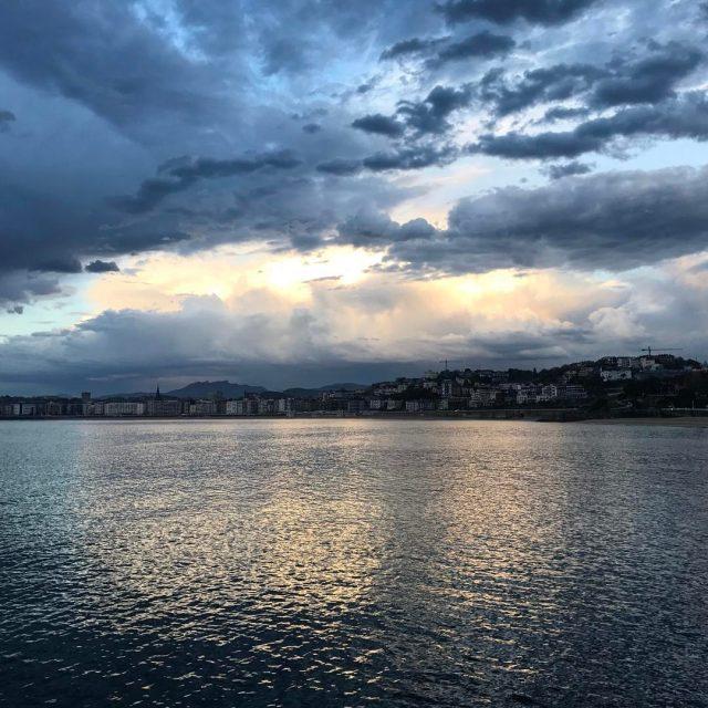 Bellos momentos de tregua  rctss rctss tormenta nubes marhellip